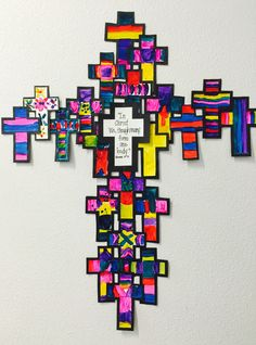 Painted crosses Religion Activities, Teaching Religion, Religion Catolica, Catholic Bulletin Boards, Christian Bulletin Boards, Easter Arts And Crafts, Preschool Arts And Crafts, Children's Church Crafts, Catholic Crafts