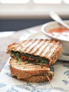 Hummus and Veggie Panini #healthy #veggie #panini