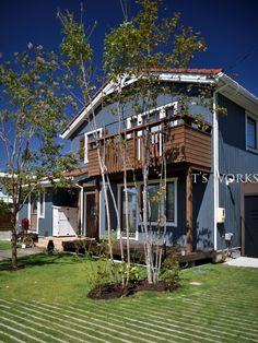 スウェーデンハウス外構 Sweden House, Garden Trees, House Rooms, House Painting, Exterior, House Styles, Home Decor, Houses, Decoration Home