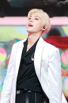 Me to hu itna kamina Btob Lee Minhyuk, Lee Changsub, Yook Sungjae, Writing Lyrics, Lee Jung, Baby Daddy, K Idols, Pop Group
