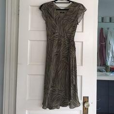 Alfani Petite Faux Wrap Dress Alfaro Petite Faux Wrap Dress. Petite. Good condition. No size but fits like a medium. Alfani Dresses