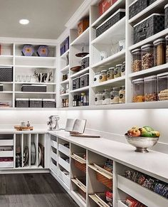 Mind-blowing Kitchen Pantry Design Ideas for Your Inspiration Optimize your larger pantry with a specialized backup system. Directory shelves are great for stocking cooking sheets. Changeable cable shelving is normally a lower priced solution for cust Kitchen Pantry Design, Kitchen Organization Pantry, Kitchen Pantry Cabinets, Kitchen Tops, Diy Kitchen, Organized Pantry, Awesome Kitchen, Kitchen Decor, Open Pantry