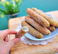 찹쌀스틱,찹쌀스틱 만들기,찹쌀스틱도넛,찹쌀도넛 만들기,찹쌀도넛 굿모닝입니다~!^^ 1월의 마지막입니다. ... Biscuit Cookies, Yummy Cookies, Food N, Food And Drink, Korean Food, Bakery, Deserts, Cooking Recipes, Bread