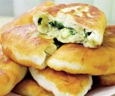 """Plăcinte la tigaie, which means """"pan-fried pie,"""" is basically a Romanian empanada. It can be filled with just about anything you want, whether sweet or savory. Great Recipes, Dinner Recipes, Dessert Recipes, Favorite Recipes, Romania Food, Eastern European Recipes, Good Food, Yummy Food, Churros"""