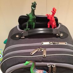 20 pictures of tiny dinosaurs coming to life for Dinovember