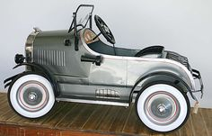 Early Cadillac Pedal Car (Late 20, Early 30s)