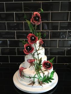 Poppies by Paul of Happy Occasions Cakes. - http://cakesdecor.com/cakes/246119-poppies