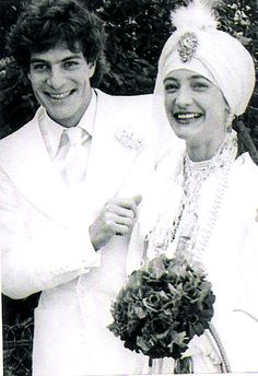 Indian style wedding of Loulou de la Falaise and Thadée Klossowski de Rola, Bois de Boulogne, 1977