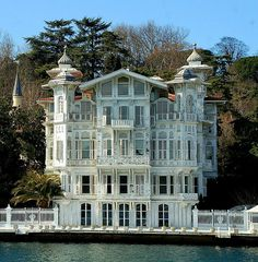 Beautiful house on Bosphorus shores, Istanbul, Turkey (by DimitriS Photography). Look at all those windows!