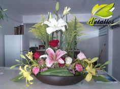Marca esa fecha tan especial con detalles en flores que sorprenderán a tus invitados
