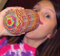 knit can cozy pattern i want to try...the only thing i worry about is the knitted bottom...will the can be stable when you set it down, or will it wobble. i knit bottomless can cozies but the can tends to slip when you pick it up. thoughts???