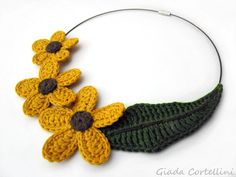 Necklace flowers leaves crochet garland flowers by GiadaCortellini, €37.00