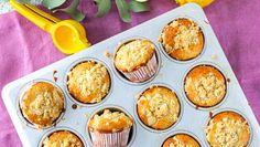 Helppoa ja herkullista! Sitruunamuffinit tuovat taivaallisen tuoksun keittiöön - Ajankohtaista - Ilta-Sanomat Muffins, Cupcakes, Baking, Breakfast, Sweet, Food, Morning Coffee, Candy, Muffin
