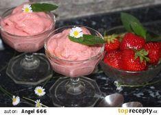 Zmrzlina z jahod a banánů recept - TopRecepty.cz Ice Cream, Pudding, Desserts, No Churn Ice Cream, Tailgate Desserts, Deserts, Icecream Craft, Custard Pudding, Puddings