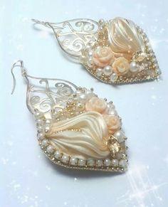 Cream and gold Shibori silk. Pearl and crystals. Eliana Maniero Jewels 2014
