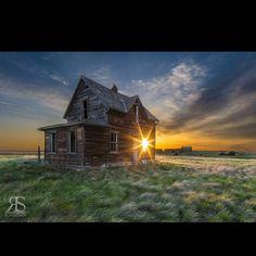 First light.  www.robertscott.ca #canadiancreatives #starburst #morninghasbroken #firstlight #dawn #sunset #alberta #earlybird #rscottpics