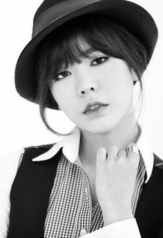 Girls' Generation SNSD Sunny Mr Mr Lockscreen Phone Wallpaper