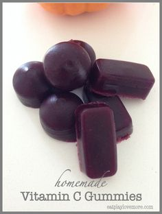 Homemade Vitamin C Gummies. Impossible to find Vit C gummies for kids that have the megadoses we need. Customize your Vitamin C gummies. Vitamin C Gummies, Gelatin Recipes, Gelatine, Fruit Snacks, Protein Snacks, Healthy Treats, Healthy Eating, Natural Medicine, Kids Meals
