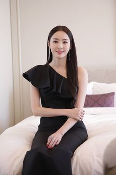Black Dahee VS White Dahee Your choice? Korean Celebrities, Beautiful Celebrities, Celebs, Korean Girl Photo, Korean Dress, Korean Actresses, Cute Asian Girls, Rich Girl, Girl Crushes