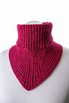hyvin istuva kauluri, Ravelry: Treppenviertel Cowl pattern by Nicola Susen Cowl Scarf, Knit Cowl, Knitted Shawls, Crochet Scarves, Knit Crochet, Knitting Scarves, Crochet Granny, Loom Knitting, Hand Knitting