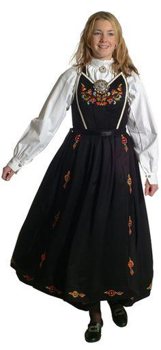 Smekkebunad - Vest-Telemark - Dame - Bunadene våre - Almankås Folk Costume, Costumes, Norway, Vest, Victorian, Traditional, Dresses, Fashion, Vestidos