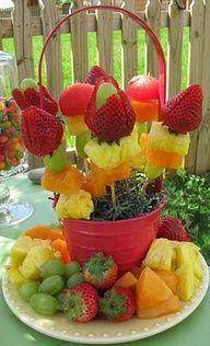 Con esta cesta de pinchos de fruta no habrá nadie que diga: NO!