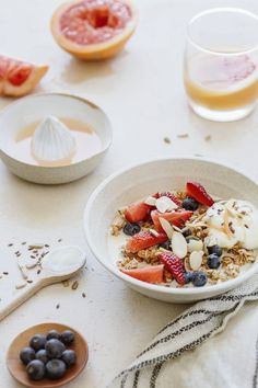 Organic Breakfast photo by Dani Rendina ( on Unsplash Healthy Breakfast On The Go, Balanced Breakfast, Second Breakfast, Healthy Breakfast Recipes, Healthy Foods To Eat, Healthy Snacks, Healthy Weight, Healthy Eating, Breakfast Pictures