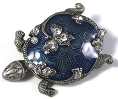 Vintage CATHERINE POPESCO French jewellery designer Brooch fashioned in the form of a TURTLE with a rich enamel finish in blue with lovely markings u. High Jewelry, Jewelry Art, Antique Jewelry, Vintage Jewelry, Jewelry Design, Fashion Jewelry, Turtle Jewelry, Animal Jewelry, Carapace