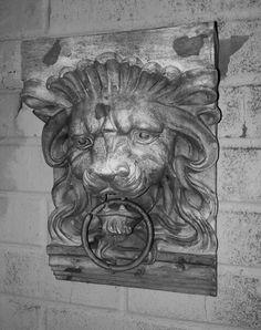 Lionhead knocker.