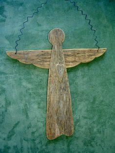 Diese Engel sind aus alten Scheune Holz gefertigt. Alle Teile, wie Haare, Arme, Beine und Bügel sind aus Alter Draht hergestellt. Sie haben einen Reifen auf der Rückseite zu hängen oder sie können als Dekoration verwendet werden. Liebe Engel - Maßnahmen etwa 12 3/4 x 9 1/4 breit mit einem Herzen und 2 Stück Beine hoch. Mutter Angel - misst ca. 13 x 11 breit mit einem Herzen und 1 Stück Beine hoch. Land-Angel - misst etwa 10 x 9 1/2 hoch und hat einen Bügel von Flügel zu Flügel ohne Beine…