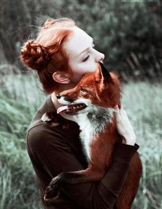 Photo Jobs - Marvelous Dreamlike Portraits of Redheads with Red Foxes Animal Photography, Portrait Photography, People Photography, Wildlife Photography, Photography Composition, Photography Backdrops, Photography Ideas, Wedding Photography, Animals And Pets