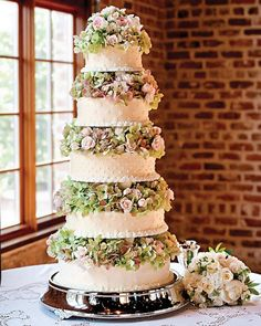 Five-tiered wedding cake with flowers - wow!