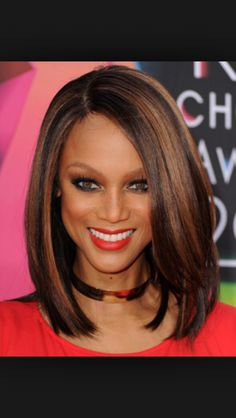 A big trend in hair is the long bob, not long hair, not short hair, but cut somewhat blunt and just above the shoulders. The long bob works well with all. Hair Styles 2014, Medium Hair Styles, Natural Hair Styles, Short Hair Styles, Long Bob Hairstyles, Celebrity Hairstyles, Weave Hairstyles, Layered Hairstyles, Bob Haircuts