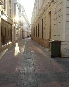 Calles angostas... ☺  #ciudadreal #paseando #spain #instaphoto #love #cool #city #afternoon