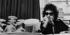 Op-Ed: The World Does Not Need Bob Dylan, Nobel Prize Winner in Literature | Pitchfork