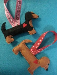 Felt Dachshund Ornament by ZillyGrilDesigns on Etsy