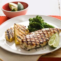 Mojito-Rubbed Chicken with Grilled Pineapple -- leave out the oil, and this lime-mint chicken with sweet grilled pineapple makes a quick, scrumptious P1 lunch.