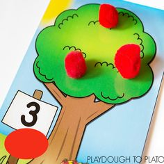 FREE Apple Tree Counting Mats. These are perfect for fall! Such a fun way to work on number recognition and counting.