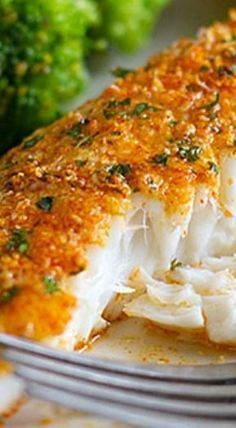 Parmesan Crusted Tilapia is a simple fish recipe that is done in 20 minutes and will even impress non-fish lovers!This Parmesan Crusted Tilapia is a simple fish recipe that is done in 20 minutes and will even impress non-fish lovers! Fish Dinner, Seafood Dinner, Seafood Bake, Seafood Meals, Fish And Seafood, New Recipes, Cooking Recipes, Healthy Recipes, Dinner Recipes