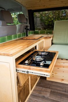 Van Conversion Interior, Camper Van Conversion Diy, Van Interior, Van Life, Rangement Caravaning, Build A Camper Van, Kombi Home, Caravan Renovation, Van Living