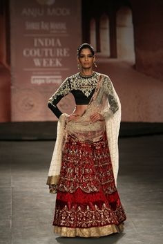 Anju Modi at India Couture Week 2014
