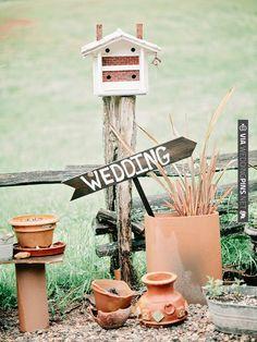birdhouse wedding sign   VIA #WEDDINGPINS.NET
