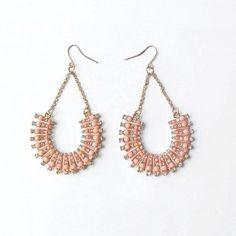 Boucles d'oreilles strass rose pastel - #bijoux #tendance #mode #earring #jewelry #femme #fashion #milenamoda  www.milena-moda.com