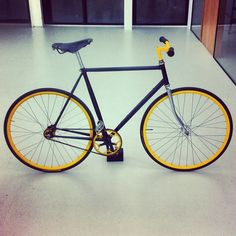 Yes! Been almost a year... Thanks to MOHO Fixed Gear Rotterdam for getting my bike ready for the road again... After being broken for so long!