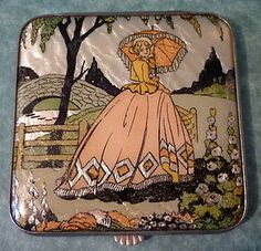 Lovely Period GWENDA England ART DECO Crinoline Lady POWDER COMPACT Foil Backed £41
