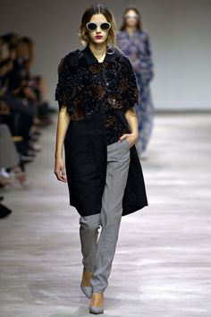 Dries Van Noten Spring 2013 Ready-to-Wear Collection Slideshow on Style.com