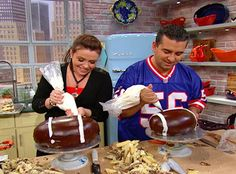 Rachael Ray Show - Food - Buddy Valastro's Chocolate Ganache Cake Boss Recipes, Chef Recipes, Icing Recipes, Cupcake Icing, Cupcake Cakes, Cupcakes, Cake Boss Buddy, Carlos Bakery, Buddy Valastro