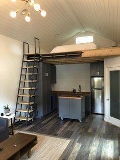 Tiny Loft, Tiny House Loft, Tiny House Living, Tiny House Design, Shed Loft, Cabin With Loft, Loft Home, Tiny House Stairs, Tiny House Storage