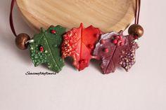 Collar con hojas, Regalo para ella, Collar llamativo, Joyas modernas, arcilla polimerica, Joyas artesanales, Collar invierno, Collar otoño by Seasonoftheflowers on Etsy