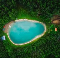 You Can Rent A Cabin With A Private Turquoise Lake For Super Cheap In Ontario This Summer - Narcity